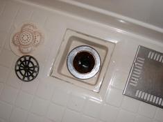 変換 ~ 002浴室排水口.jpgのサムネール画像